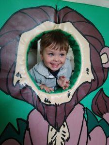 head through the hole jungle design photo board